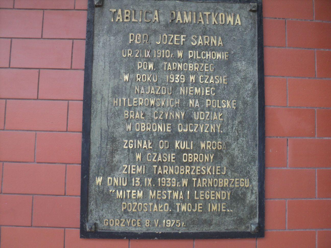 Tablica pamiątkowa Józefa Sarny